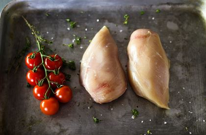 Free range chicken breast fillets x 4